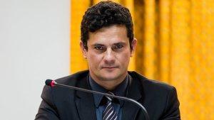 Moro derruba sigilo e divulga grampo de ligação entre Lula e Dilma; ouça