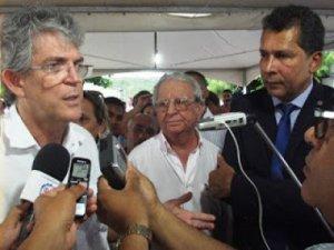 """Governador não confirma escolha de João Azevedo: """"Haverá tempo para isso"""""""