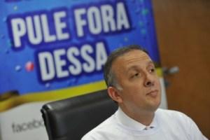 Opinião: Constrangido, paraibano anuncia a Dilma fim do governo