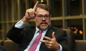Ministros do STF: Dilma ofende instituições ao falar em golpe