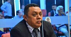 """Chico diz que prefeito deve a fornecedores: """"Se não for verdade renuncio ao mandato"""""""