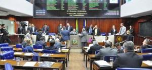 AL identifica falha humana em painel que registrou voto de deputado ausente de sessão