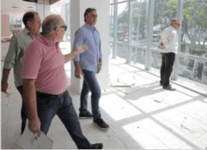 Prefeito visita obras do Lagoa Shopping e aposta em aquecimento da economia
