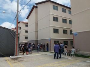 Prefeito entrega as chaves aos primeiros 192 moradores do Vista Alegre
