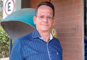 Antes de reunião, Marcos apela para Durval retirar candidatura em nome da unidade