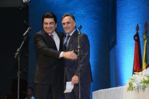 Luciano Cartaxo fecha equipe de secretários com nome indicado pelo PMDB de Manoel Júnior