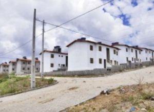 Moradores da Comunidade Taipa Nova Vida recebem títulos de propriedade residencial