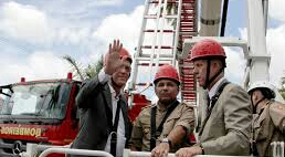 Inutilizada: Escada que custa R$ 6 milhões ao Estado está quebrada sem manutenção