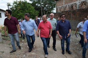 Oposição cobra e prefeitura se compromete a entregar obra em comunidade de JP