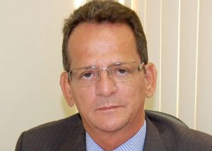 Governistas protocolam quatro CPIs na Câmara para investigar Ricardo