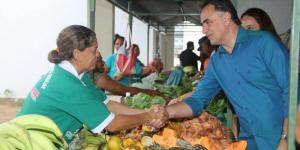 Cartaxo visita feira livre e conversa com agricultores de Mamanguape neste sábado