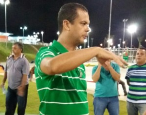 Adesão: Deputado oposicionista participa de inauguração ao lado de RC em CG