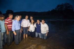 """Lira acompanha chegada das águas da Transposição: """"Momento histórico"""""""