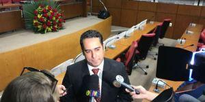 """Helton Renê desconhece mudanças na liderança: """"Não fui comunicado"""""""
