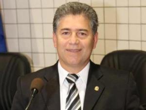 Operação 'Xeque-Mate' prende prefeito Leto Viana, o vice-prefeito e presidente da Câmara