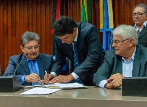 Diário Ofical traz nomeção de Adriano Galdino e exoneração de Raoni Mendes