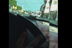 Filho de 11 anos da vice-prefeita de Mamanguape grava vídeo enquanto dirige e persegue viatura