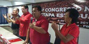"""Presidente do PT abre as portas do partido para Estela: """"Companheira valorosa"""""""