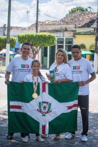 Santaritensse é homenageada após conquistar ouro em competição internacional