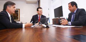 Ministro promete agilidade na implantação da Rádio Comunitária do Valentina
