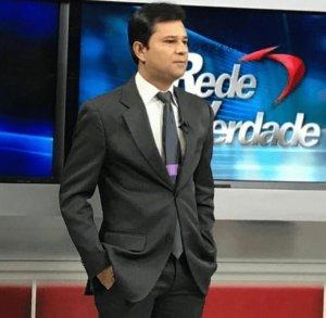 Federação Nacional dos Comunicadores repudia demissão de Anderson Soares