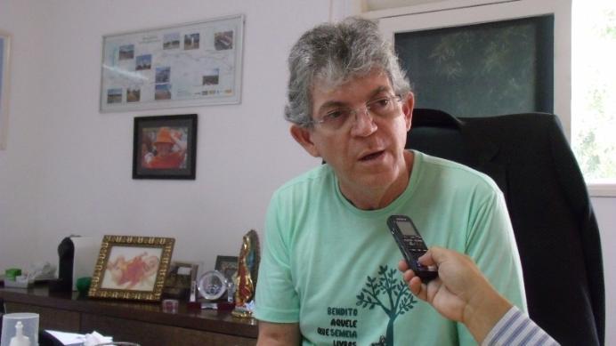 Um dia antes da Operação Calvário, Ricardo Coutinho sanciona lei que reconhece Cruz Vermelha como utilidade pública