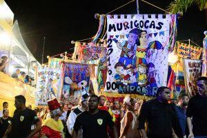 Com apoio da PMJP, Muriçocas do Miramar arrasta multidão até a orla da Capital