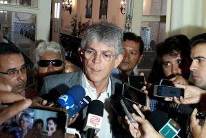 """Ricardo comenta comemoração de facções criminosas na PB: """"Aqui elas têm sofrido reveses"""""""