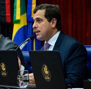 Gervásio denuncia descumprimento de lei que prevê meia entrada de estudantes em coletivos de JP