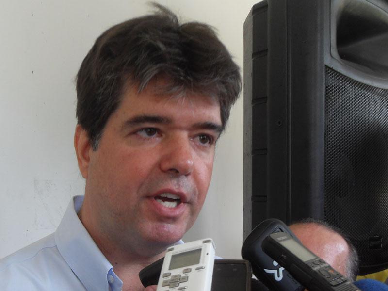 Ruy Carneiro confirma que passará comando do PSDB paraibano para Cássio