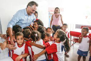 Prefeitura entrega 58ª creche em novo padrão de qualidade no bairro Mandacaru