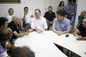 Em visita a Catolé do Rocha, Lucélio e Ruy Carneiro recebem apoio do prefeito Leomar Maia