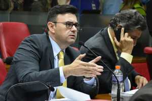 Raniery Paulino adverte: Crise na UEPB pode fechar campus na Paraíba
