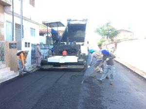 Seinfra asfalta ruas do Alto do Céu e melhora mobilidade no bairro de Mandacaru