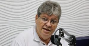CRISE NA BASE ALIADA: João Azevêdo critica PEC apresentada por aliado e pede derrubada do projeto