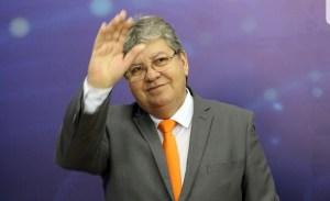 Em debate, João garante ampliação do programa Gira Mundo para alunos e professores da UEPB