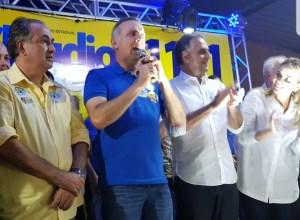Aguinaldo Ribeiro visita Serra Redonda e participa do lançamento da candidatura de Cláudio Régis à ALPB