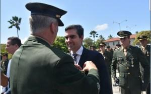 Lucas de Brito é homenageado com Medalha Exército Brasileiro