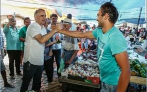 Em feira pública de Pombal, Lucélio garante Centros de Agroecologia