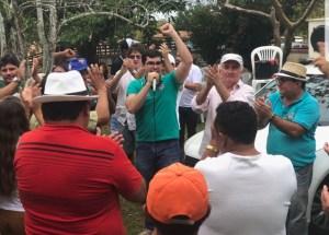 Em Alagoinha, Eitel Santiago e Lucas de Brito recebem apoio do ex-prefeito Vicente Beltrão