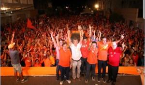 """""""A Paraíba compreendeu que este projeto não pode e não vai parar"""", diz João durante comício em Juripiranga"""