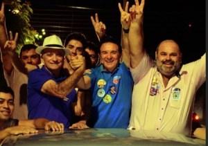 Galego Souza faz maratona de visitas pelo Sertão durante o final de semana, com direito a comícios e adesivaços