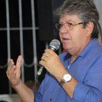 """VÍDEO: Em Guarabira, João parte para cima e chama oposição de """"meia dúzia de malandros"""""""