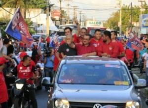 Zé Maranhão faz carreata de Bayeux a Sapé e se compromete com melhoria da saúde