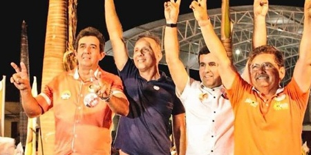 Aguinaldo Ribeiro visita Cabedelo, Pilar, Salgado de São Félix e encerra atividades da sexta com grande comício em Itatuba