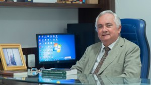 Eitel propõe aumento de investimentos na Saúde e gestão profissional dos recursos