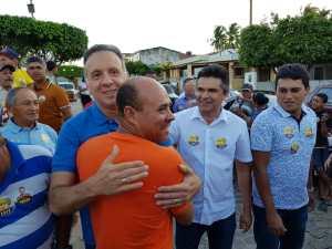 Aguinaldo Ribeiro é recebido calorosamente em Duas Estradas e Serra da Raiz