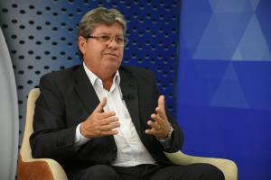 Em entrevista à TV Arapuan, João anuncia implantação de Centro de Políticas Estratégicas na Paraíba