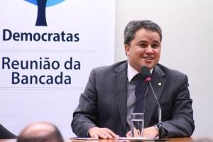 """Efraim Filho está entre os 100 """"Cabeças"""" do Congresso"""
