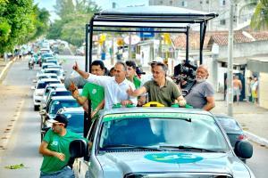 Lucélio, Cássio, Daniella e Luciano arrastam multidão na Caravana da Esperança de João Pessoa
